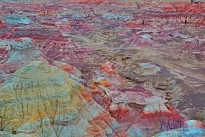 大漠戈壁的奇葩---缤纷五彩城